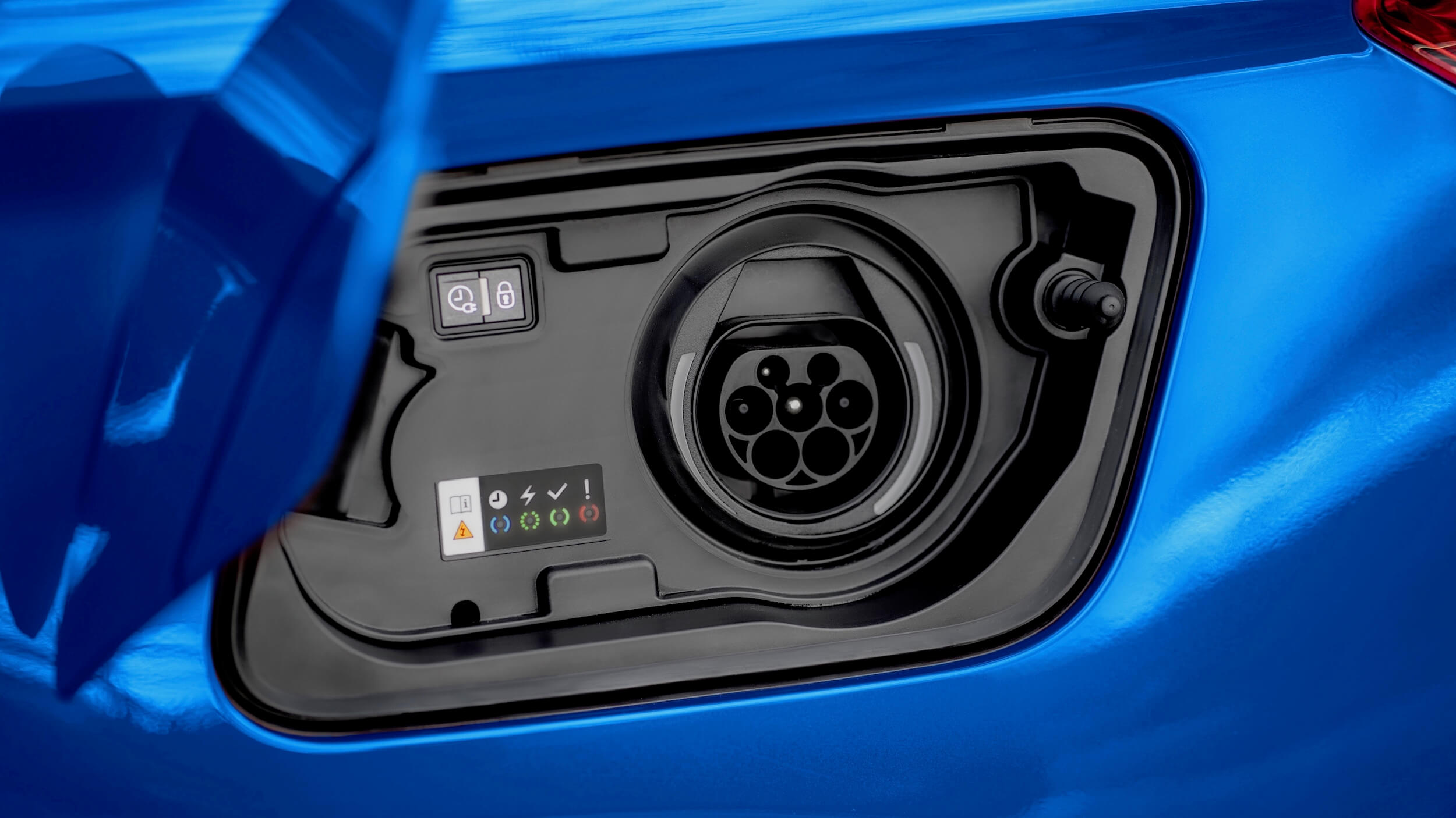 Opel Grandland Hybrid laadplug