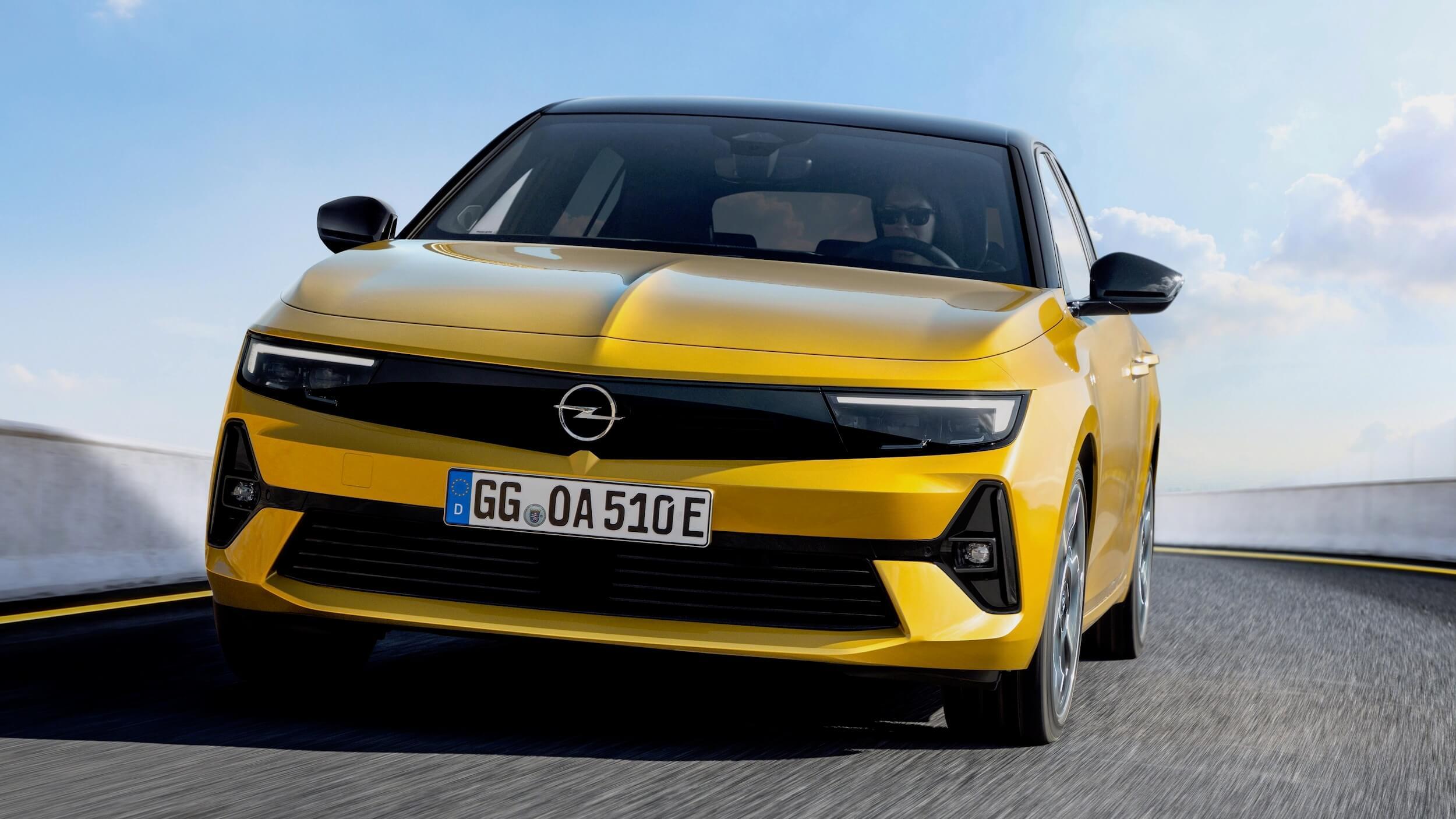 Opel Astra PHEV 1