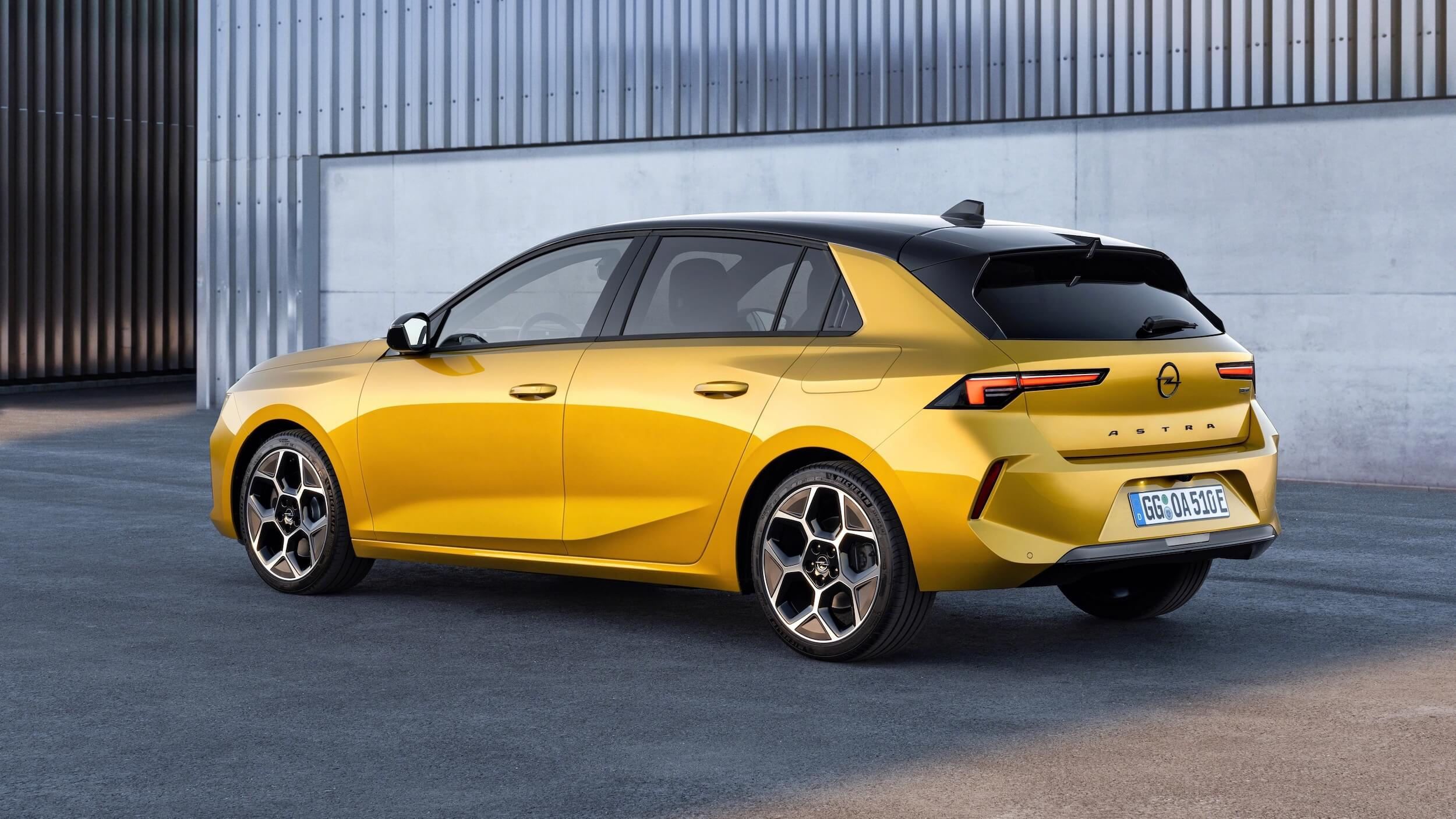 Opel Astra PHEV 3