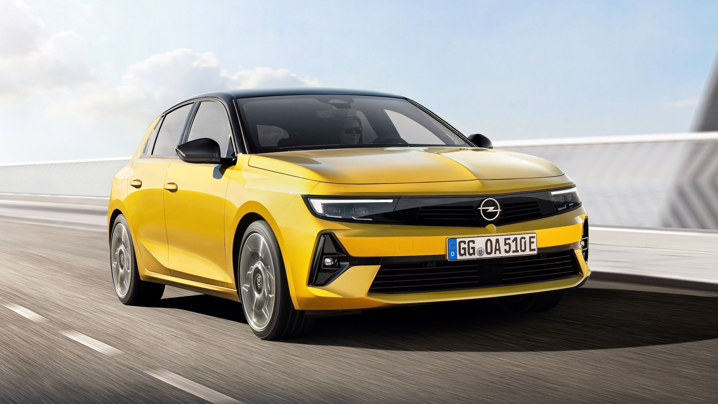 Opel Astra PHEV 6