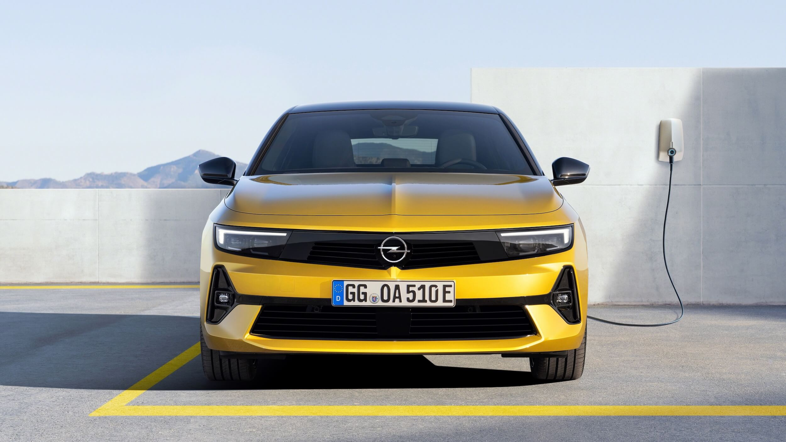 Opel Astra PHEV 7