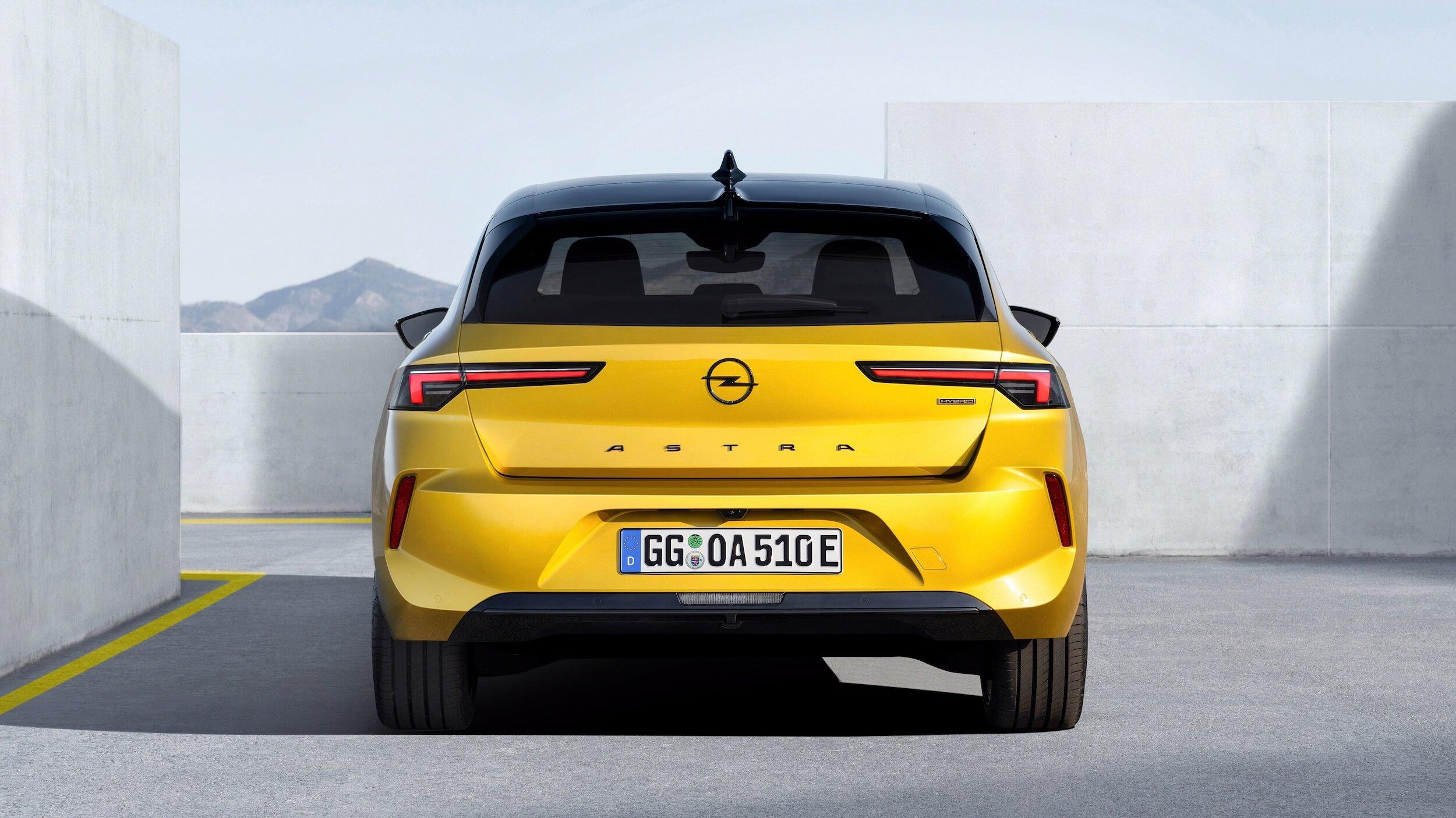 Opel Astra PHEV 8