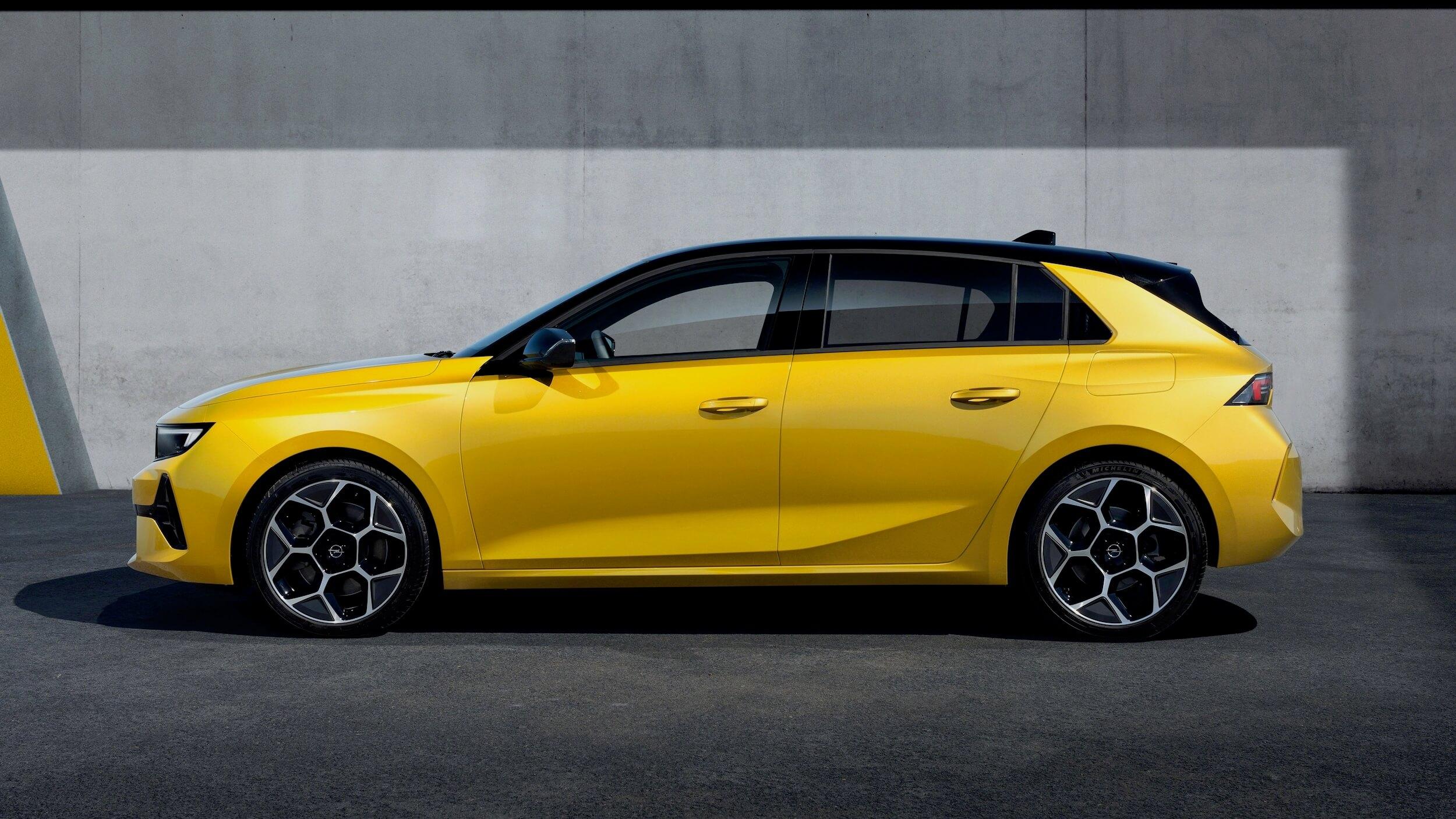 Opel Astra PHEV 9