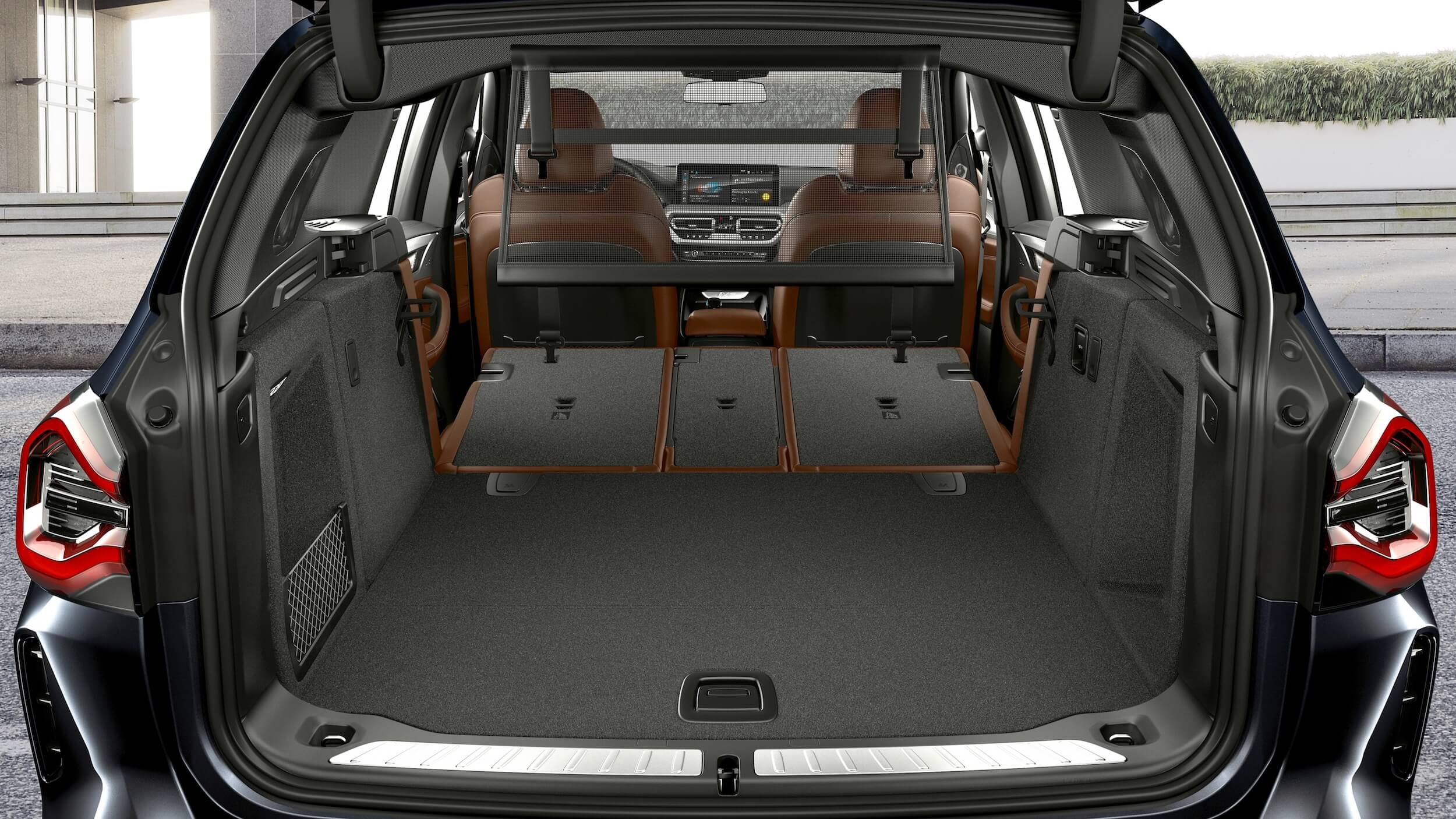 BMW iX3 koffer acherbank neergeklapt