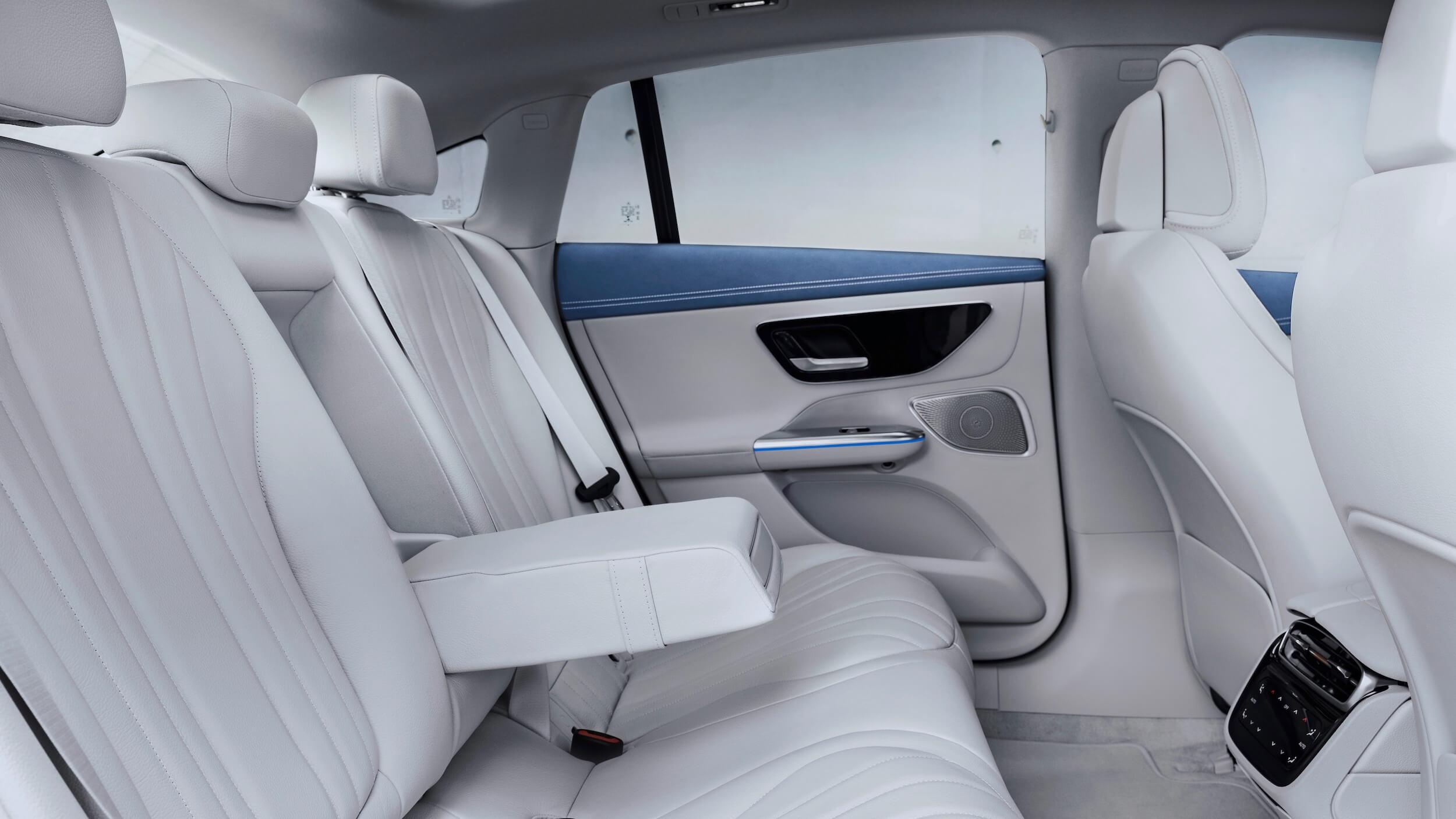 Mercedes EQE 350 11