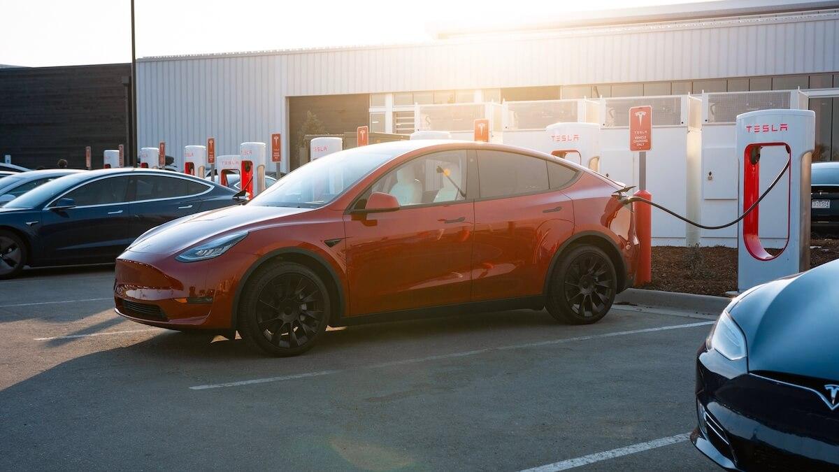 Model Y aan Supercharger